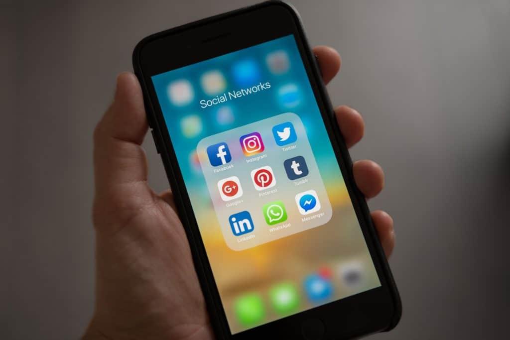 Mobile vs Desktop Usage Statistics - Social Networks
