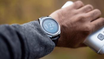 24 Impressive Smartwatch Statistics You Should Know in 2021